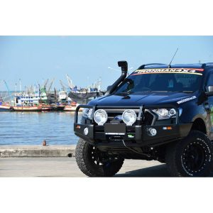 Ironman 4x4 commercial deluxe bullbar 141230