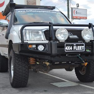 Ironman 4x4 commercial deluxe bullbar-180352